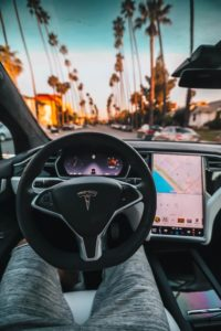 Tesla intérieur (Picture by Roberto Nickson)